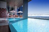 Oasia-готель-singapore.jpg
