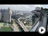 У басейна Marina Bay Sands, Сингапур